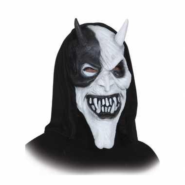 Duivelsmasker met zwarte kap