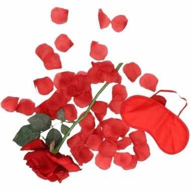 Valentijnscadeau verassingspakket rood masker